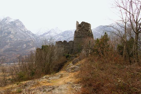 Castello di Vogogna, in frazione Genestredo, Ossola (1240 clic)