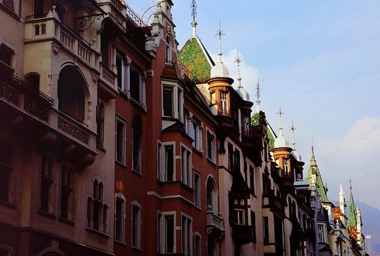 Per le vie di Bolzano, dicembre 2001 (2349 clic)