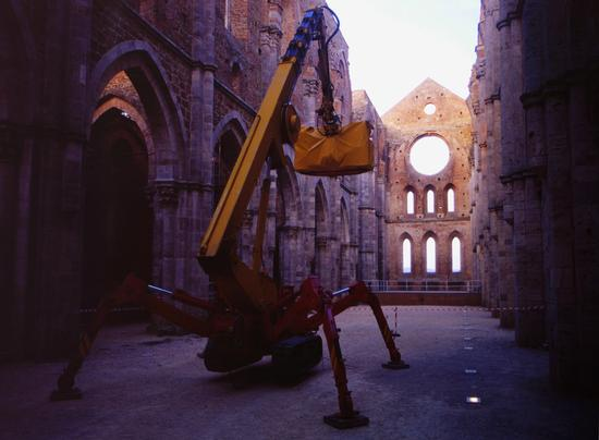 Ragno buldozer, San Galgano toscana 2000 (1317 clic)