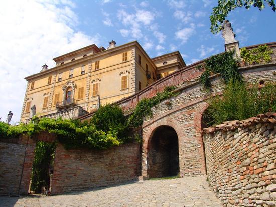 Castello Gancia, Canelli agosto 2007 (2720 clic)