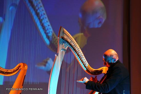 Vincenzo Zitello in concerto, manifestazione NovaAria 2011 pro Telethon - Novara (2205 clic)