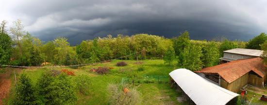 Temporale in arrivo, Gattico maggio 2012 (1100 clic)