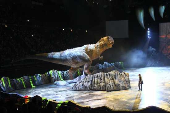 Walking with Dinosaurs, quando le dimensioni contano meglio girare al largo, Forum di Assago 25 febbraio 2010 - ASSAGO - inserita il 28-Feb-10