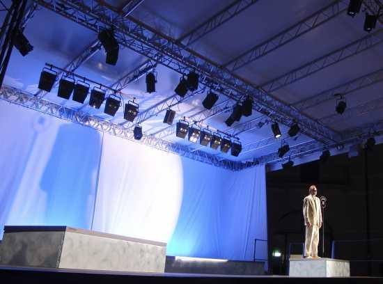 Spettacolo lirico Elisir d'amore, Forte di  Bard, Valle d'Aosta agosto 2008 (3213 clic)