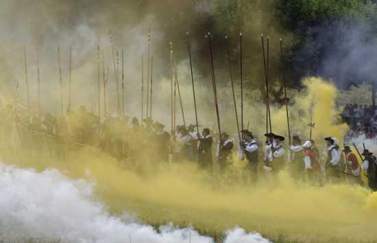 Picche, rievocazione storica  dell'assedio di Canelli anno 1613, giugno 2006 (2463 clic)