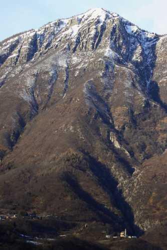 Davide e Golia, Borgata Cisore, Domodossola, VCO Piemonte (3286 clic)