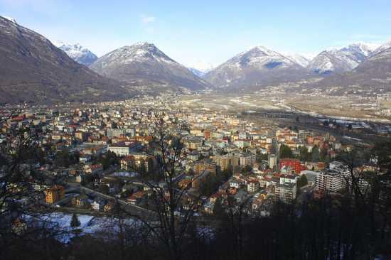 Domodossola vista dal suo Sacro Monte patrimonio dell'UNESCO,  VCO Piemonte (3460 clic)