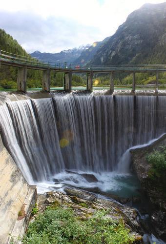 Lago delle fate, la diga, panoramica, Macugnaga, val Anzasca, Piemonte, agosto 2010 (4249 clic)