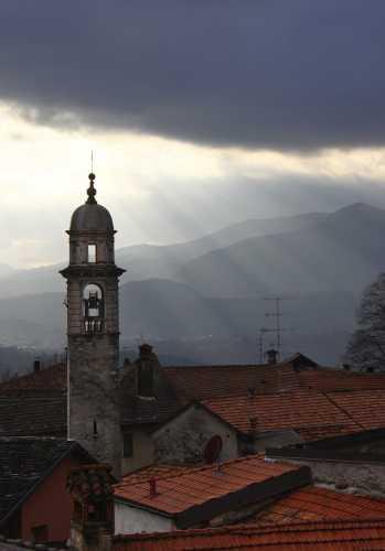 Panorama raggiante,  Miasino, Lago d'Orta, Cusio, Piemonte (2509 clic)
