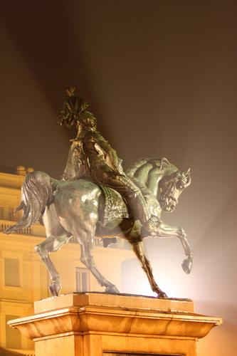 Vittorio Emanuele II, Novara, Piemonte Ottobre 2010 (1824 clic)