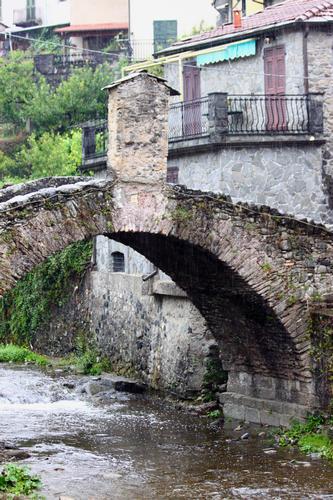 Ponte Vecchio, Pignone, 5 terre, La Spezia, Liguria agosto 2010 (2282 clic)
