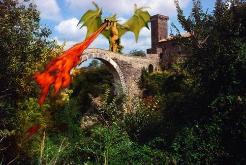 Drago vulcino, castello dell'Abbadia, Vulci, Viterbo, Lazio (1998 clic)