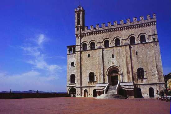Palazzo dei Consoli, Gubbio, Umbria 2000 (3060 clic)