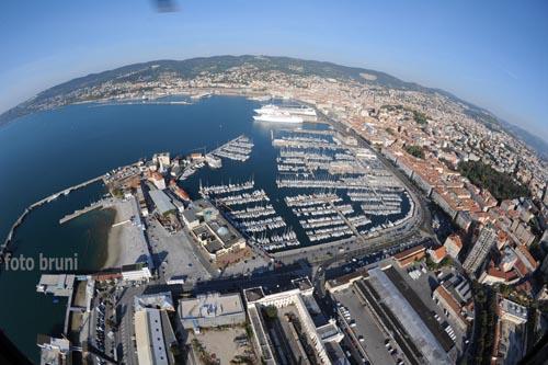 Visione aerea del centro città - Trieste (5251 clic)