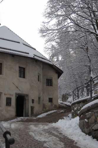 verso il castello - Brunico (2529 clic)