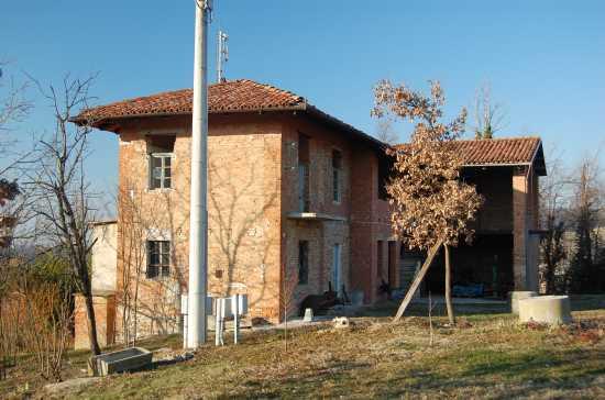 cascina Biarella - DOGLIANI - inserita il 03-Feb-10