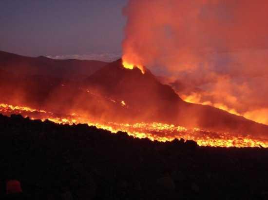 Eruzione Etna 2006 - Catania (3040 clic)