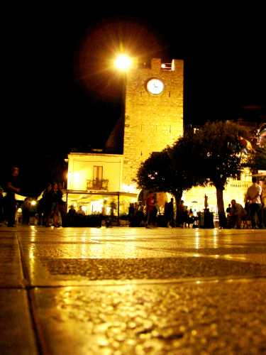 per le strade di Taormina (3160 clic)