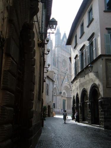 Uno scorcio del duomo - Orvieto (7469 clic)