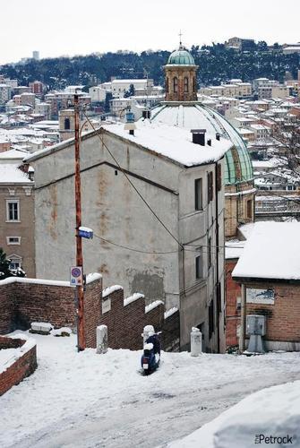 Scorcio ghiacciato di Ancona (1820 clic)
