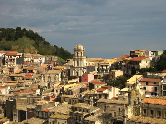 Panorama  del piccolo borgo di Buccheri (7004 clic)