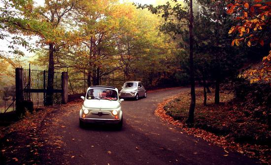 passegiata di autunno in cinquecento  - Ragalna (2006 clic)