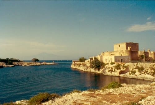 la baia e il castello - Brucoli (4057 clic)