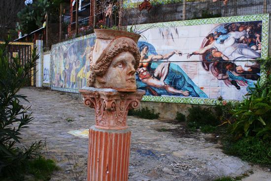 A guardia del Viale - Piazza armerina (3356 clic)