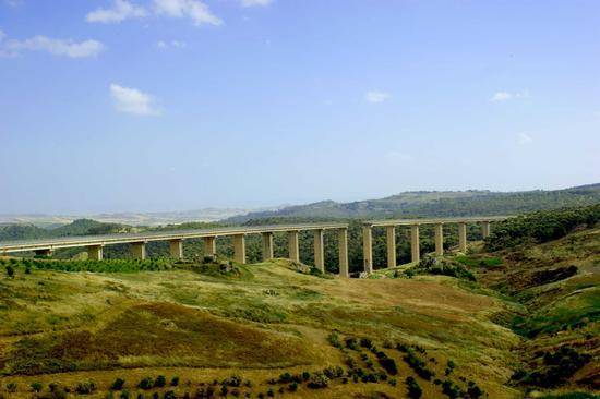 Ponte Geremia - Butera (3870 clic)