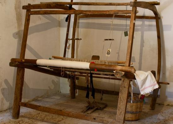 Antico telaio per tessitura  - Milena (5819 clic)