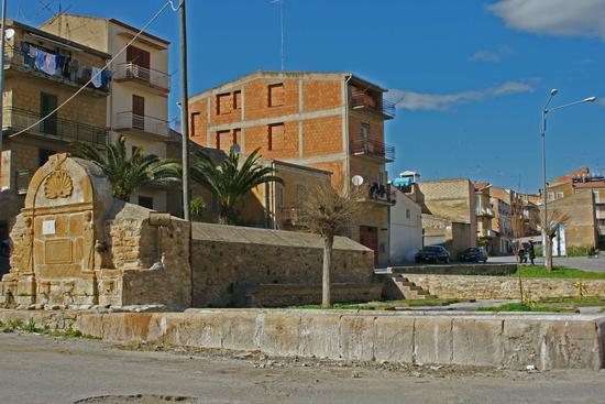Rotatoria Artistica - Barrafranca (3505 clic)