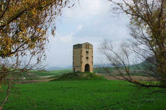 Pozzo a Torre    - Sommatino (2514 clic)