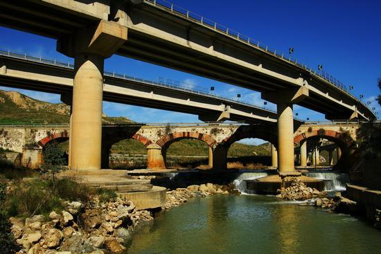 Ponte cinque archi - Santa caterina villarmosa (2696 clic)