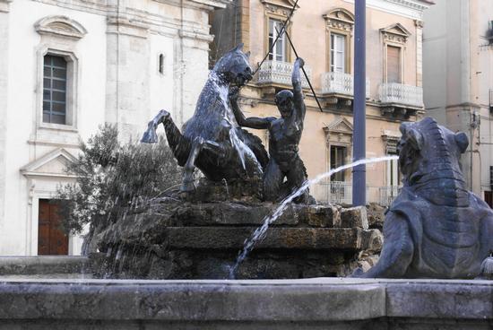 Fontana del Tritone - Caltanissetta (4682 clic)