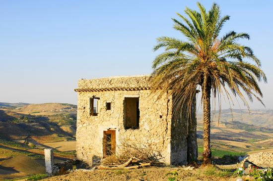 Abbandono Rurale - Grotte (3092 clic)