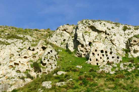 Necropoli Saracene - Mazzarino (2905 clic)