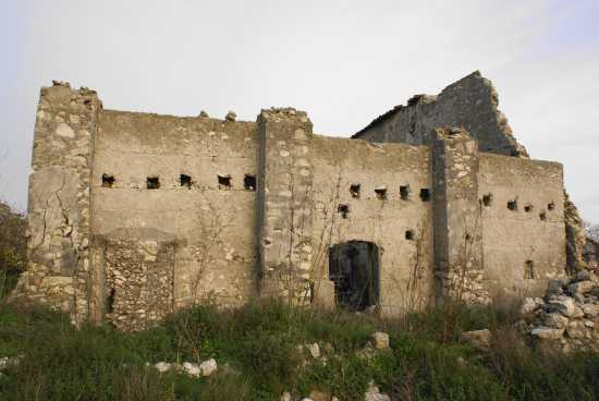 Muro di cint antico Monastero Benedettino - Milena (2938 clic)