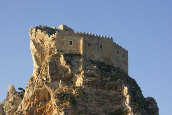 Mussomeli il Castello parte alta (3690 clic)