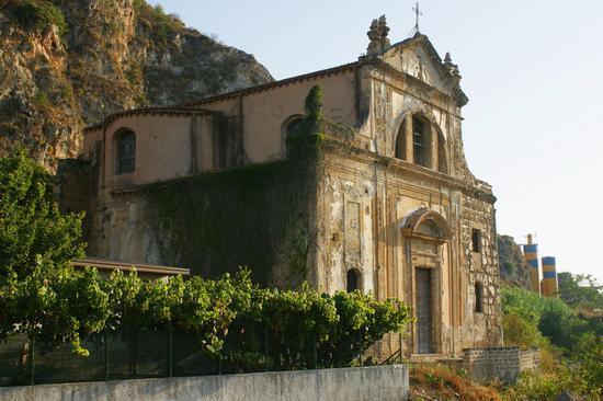 Antica Chiesa Abbandonata - Palermo (11648 clic)
