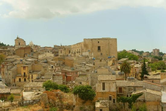 PAESAGGIO  - Racalmuto (4216 clic)