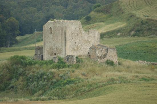 CASTELLO Medievale - Resuttano (2765 clic)