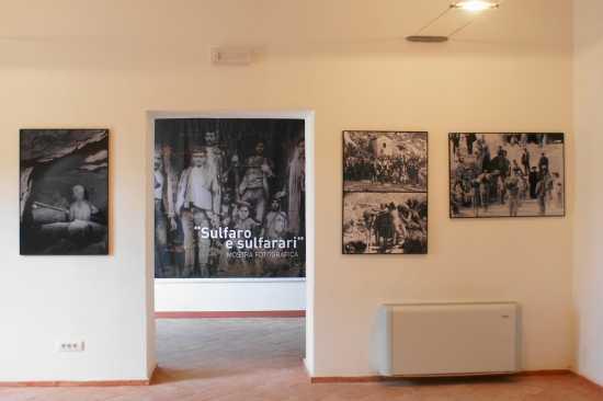 Mostra fotografica  SULFARO & SULFATARI - Riesi (3318 clic)