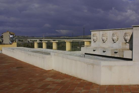 Fontana dai 4 cannoli - Riesi (2548 clic)