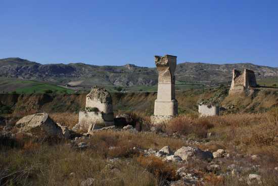 Antico ponte delle Solfare  - Sommatino (3633 clic)