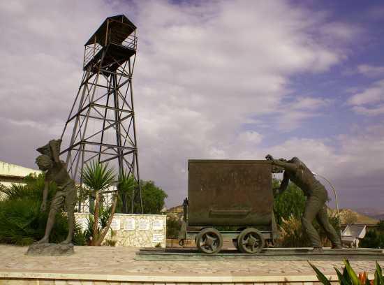 Monumento ai lavoratori in miniera - Riesi (3852 clic)