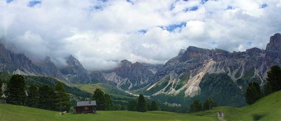 Le Fermede e le Odle fra sbuffi di nuvole - Val gardena (4178 clic)