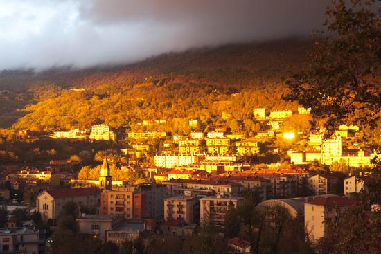 Il trionfo del sole in una giornata nebbiosa - Trieste (2667 clic)