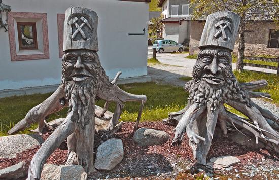 Sculture di legno a Predoi - VALLE AURINA - inserita il 24-Jan-13