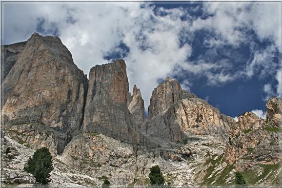 Il regno di Re Laurino ...... Rosengarten - Val di fassa (4088 clic)