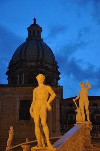 l'alba a piazza della vergogna - Palermo (2924 clic)